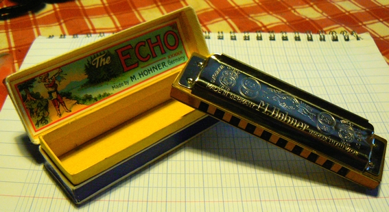 Sujet officiel du Vintage ou Harmonica de collection. Echo_Super_Vamper_2