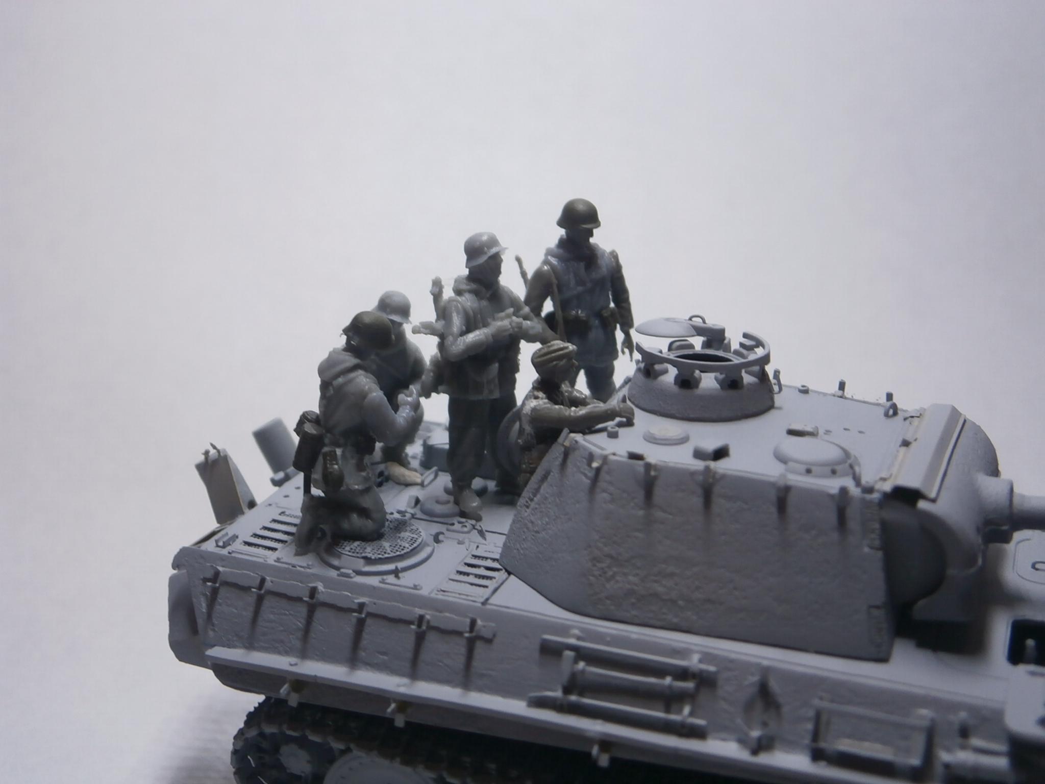 Hongrie 1945 diorama (Panther Ausf.G Late & Zundapp KS 750) - Page 2 P1011041